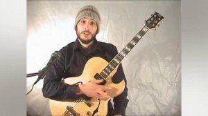 Online Guitar Lessons - I Vi ii V Progression - minor > Do...
