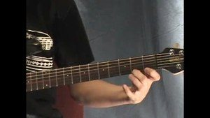 Online Guitar Lessons - Legato - Pull Off and Stretching P...
