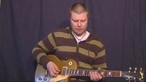 Online Guitar Lessons - Vibrato 101: Part 8 - Vibrato and ...